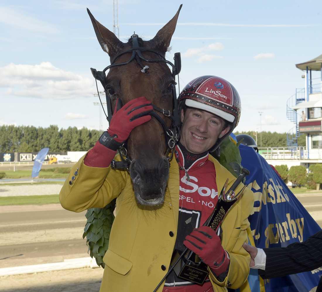 Derbyvinnarna Cyber Lane och Johan Untersteiner finns på startlinjen på söndag.