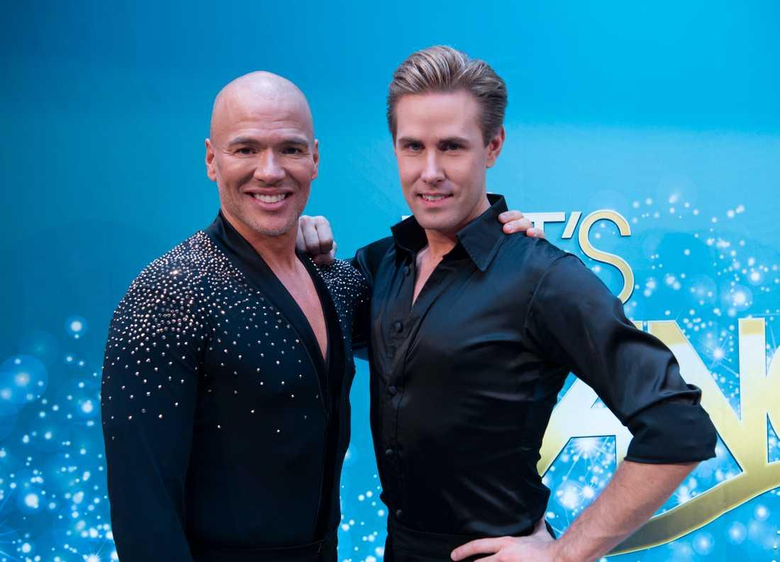 """Artisten Andreas Lundstedt och Tobias Bader dansar tillsammans i """"Let's dance""""."""