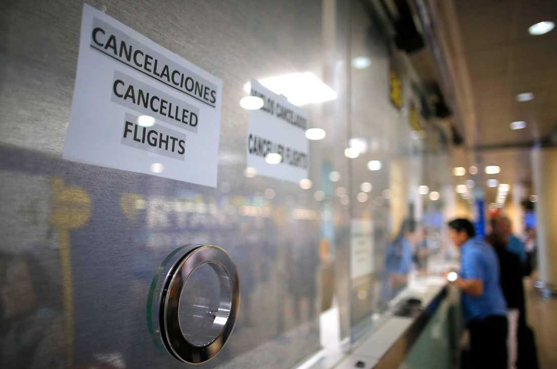 Flygkaos hotar i Spanien under påskhelgen. Bilden är tagen under en pilotstrejk i augusti 2010 på flygplatsen i Barcelona.