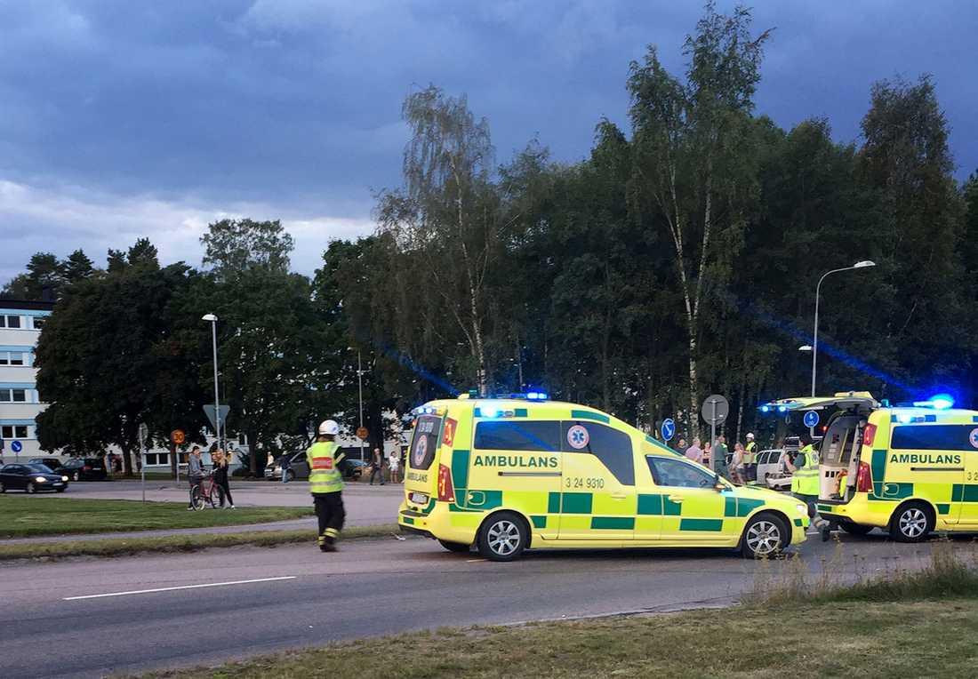 Räddningspådrag vid mc-olyckan där en man dog.