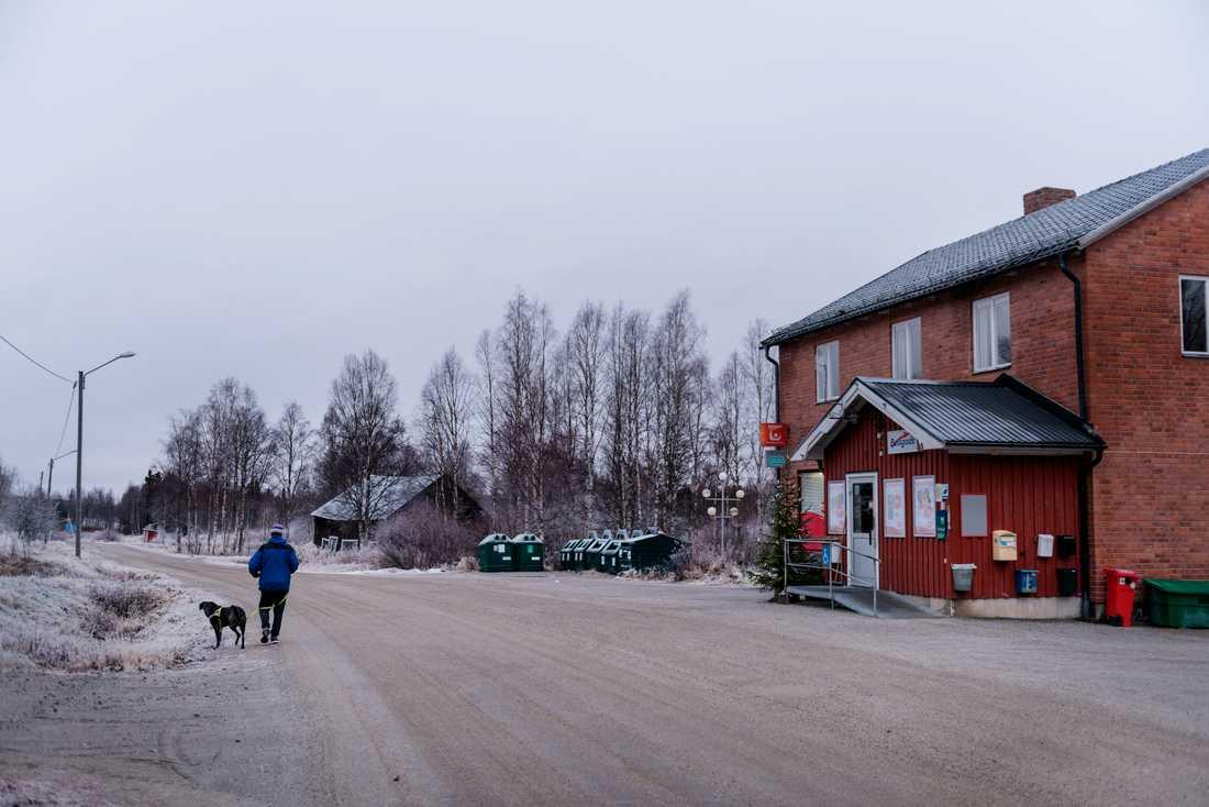 Svanabyn söder om Dorotea har ungefär 150 invånare.