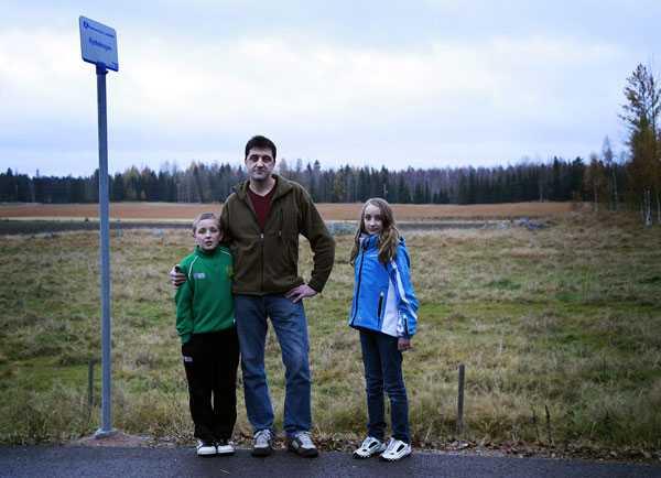 Lars Skoog med sina barn Johan och Sofia.