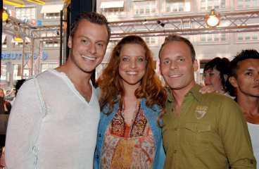 - Jag är skitskraj för dem, berättade Magnus Carlsson. Här med Shirley Clamp och pojkvännen Mats Pelli.