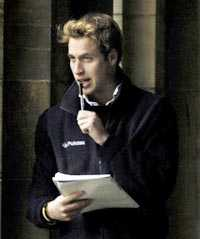 Den brittiske prins William gick på pojkskolan.