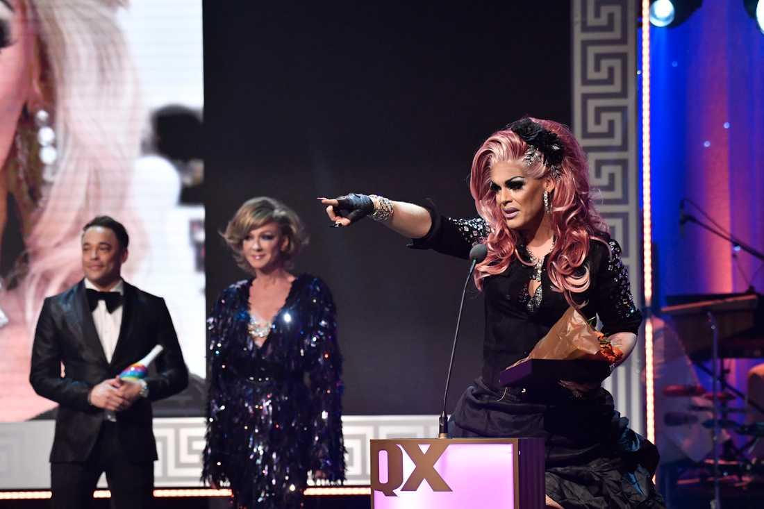 """Cherry Wilder vinner pris i kategorin """"Årets drag""""."""