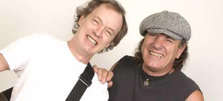 Angus Young och Brian Johnson i AC/DC - snart i ett tv-spel nära dig.