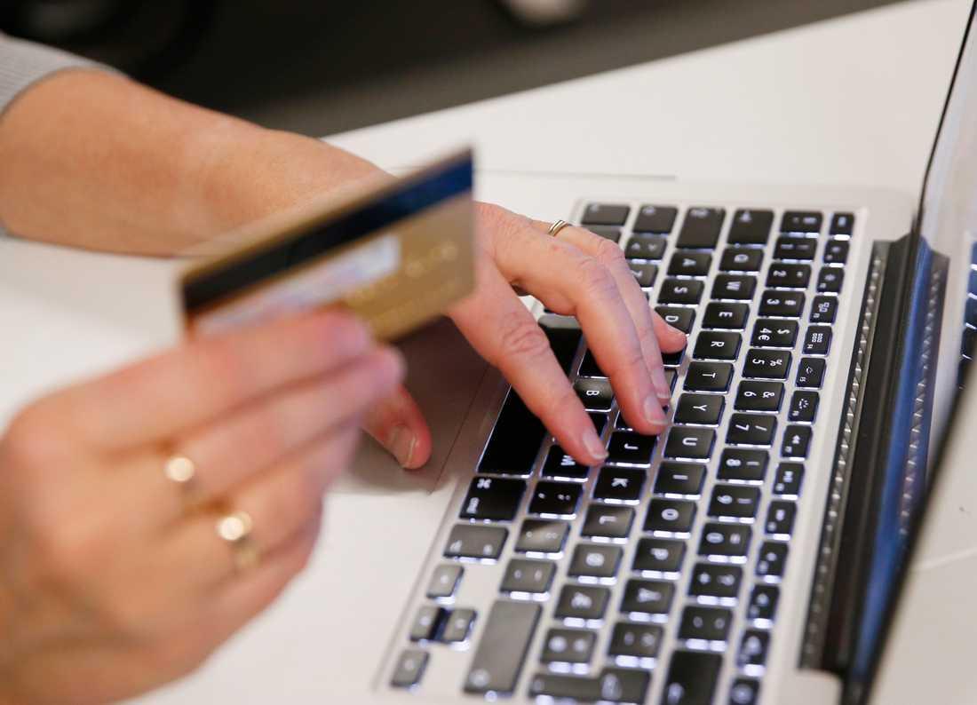 E-handeln i januari fick klädhandeln att lyfta. Arkivbild.