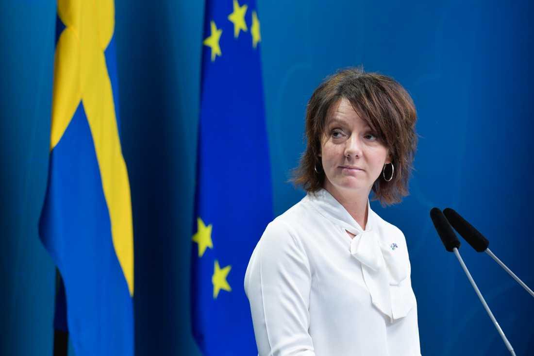 Matilda Ernkrans (S), minister för högre utbildning och forskning, presenterar det nya universitetet.