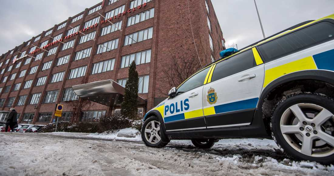 Polisen vid hotellet i Bromma