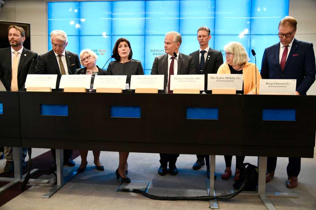 Annika Strandhäll (S) prickas av konstitutionsutskottet, KU,  för petningen av Försäkringskassans chef Ann-Marie Begler.