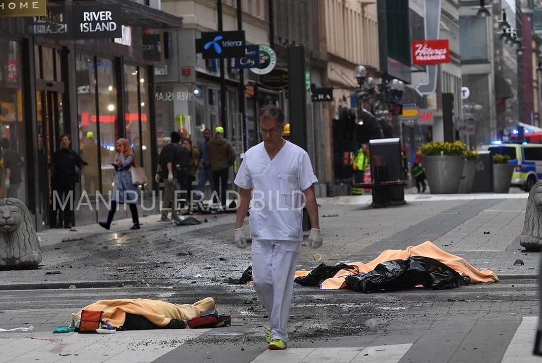 FALSK. Aftonbladets fotograf fick sin bild manipulerad av rasistisk media. Virtanen skriver att traditionell media hade fel i live-rapporteringen, men att det är för tidigt att uttala sig om anledningen.