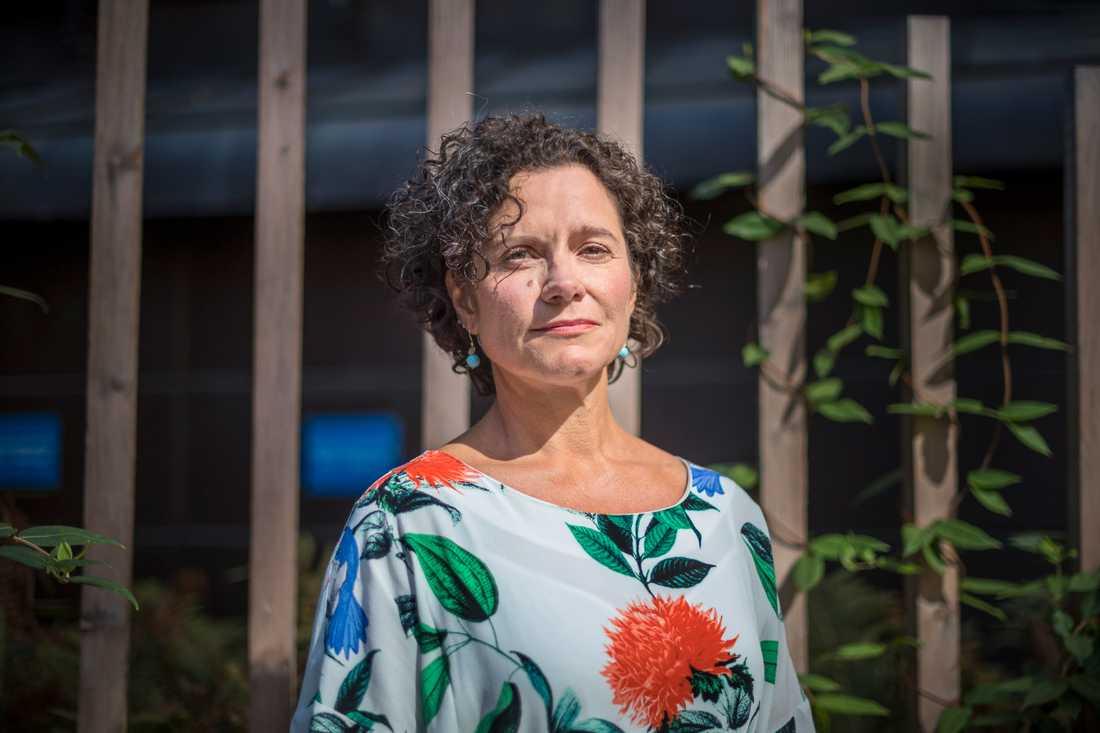 Ylva Hedén Westerdahl från KI ställer sig kritisk till Riksbankens beslut.