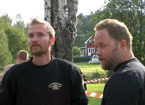 Affärspartners Joakim och Robert från Skellefteå driver en bildemonteringsfirma ihop.
