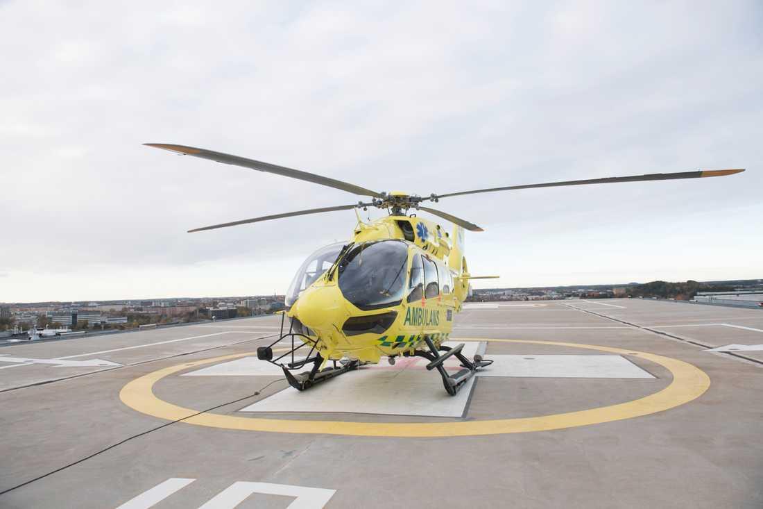 Sjuktransporter med helikopter eller flygplan är den vanligaste användningen av flygplatsernas beredskapsfunktion. Arkivbild.