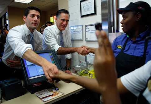 Vicepresidentkandidaten Paul Ryan och presidentkandidaten Mitt Romney på besök på Wendys.