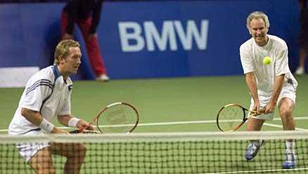 Vidare Björkman/McEnroe tog en enkel seger i kväll.
