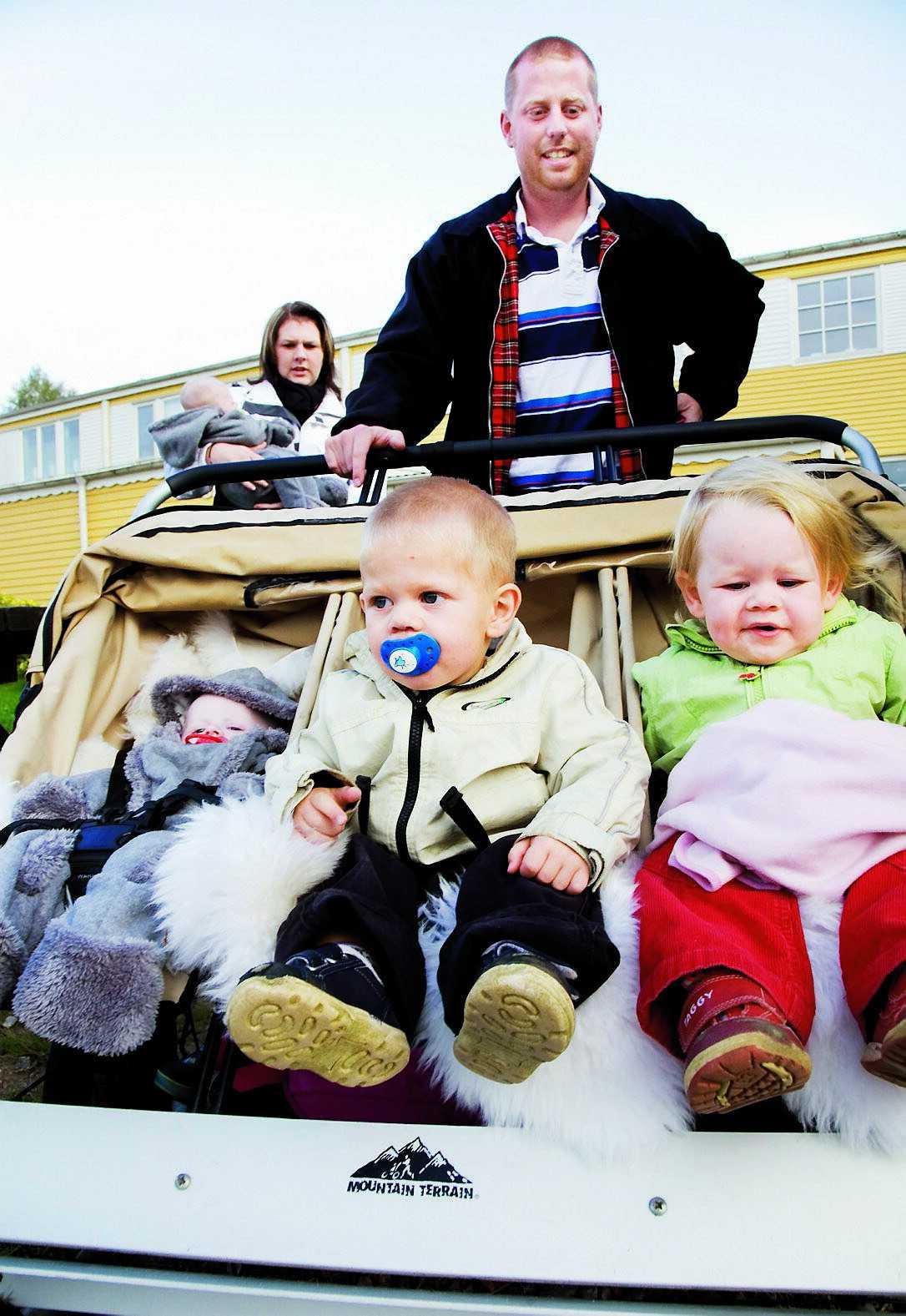 Johanna och Fredrik har aldrig varit speciellt intresserade av att resa, men de har en drömresmål, USA. Dit ska de åka när barnen börjat flytta hemifrån.