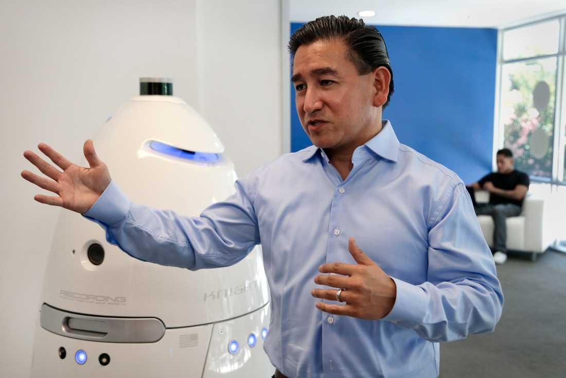 Roboten demonstreras vid företaget Knightscope Inc's huvudkontor i Mountain View, Kalifornien.