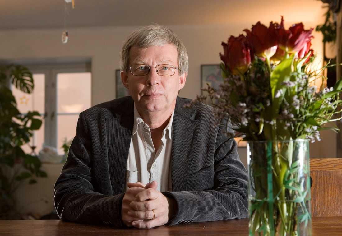 Torbjörn Tännsjö, professor i praktisk filosofi vid Stockholms universitet, anser att en global klimatdespoti behövs för att rädda klimatet.