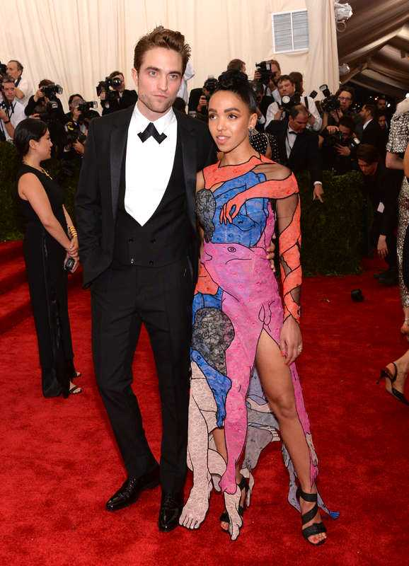 Robert Pattinson och FKA twigs.