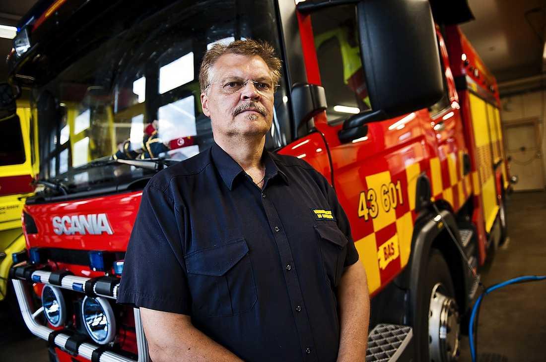 SNABBT PÅ PLATS  När räddningschefen Bo Lundgren kom till platsen var mannen medvetslös. Trots hjärt- och lungräddning avled 41-åringen på väg till Falu lasarett.