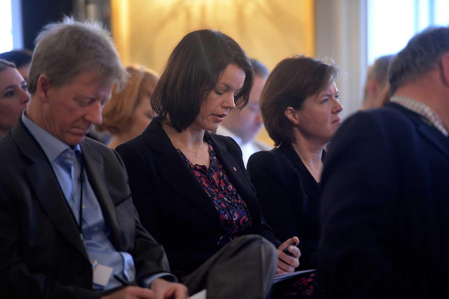 Veronica Palm, ordförande för socialdemokraterna i Stockholm som nominerade Omar Mustafa till partistyrelsen, och Carin Jämtin, partisekreterare.