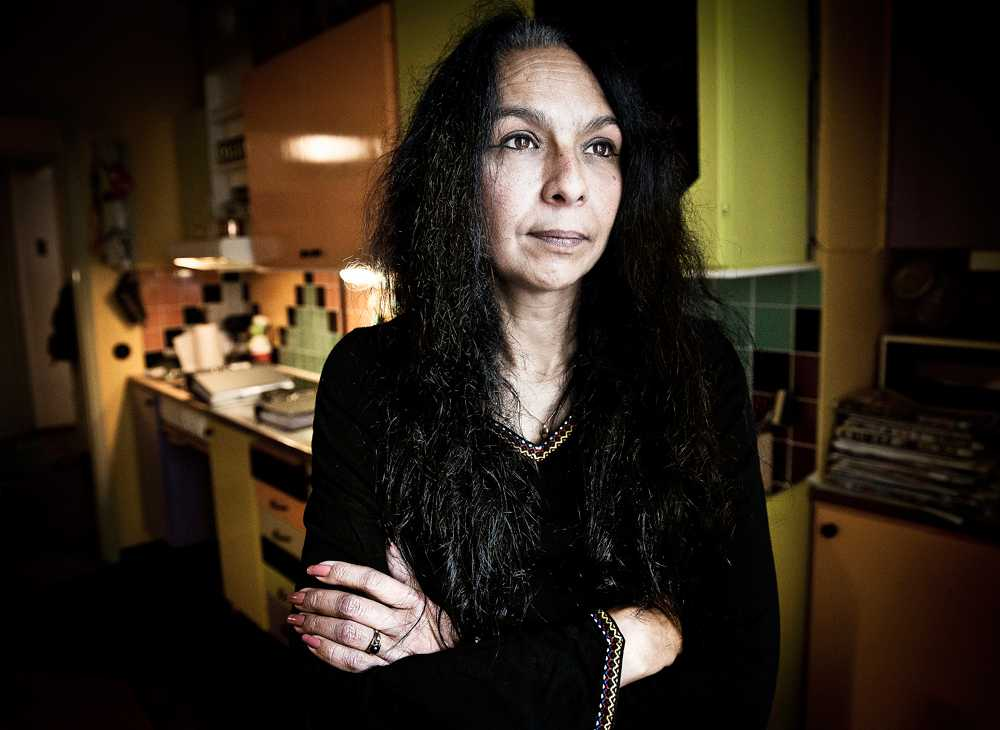 """""""Myndigheternas fel"""" När Jeanette Eriksson var sex år fastnade benen i kramp. Trots att alla misstänkte att morfadern våldtog henne skickades hon hem igen. """"Jag anser att det är myndigheternas fel att ytterligare tio år av incest fick fortsätta"""", säger Jeanette."""