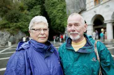 """""""Det är en fantastisk upplevelse att ta sig fram i grottorna"""", säger Ingrid och Nils-Erik Carlsson, pensionärer från Sjöbo."""
