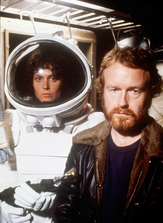 """Sigourney Weaver och Ridley Scott vid inspelningen av första filmen """"Alien"""" 1979."""