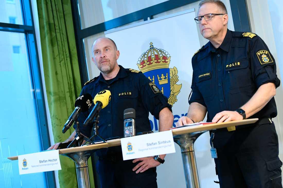 Stefan Hector, nationell kommenderingschef för Operation rimfrost och Stefan Sintéus, regional kommenderingschef, på en pressträff i Malmö.