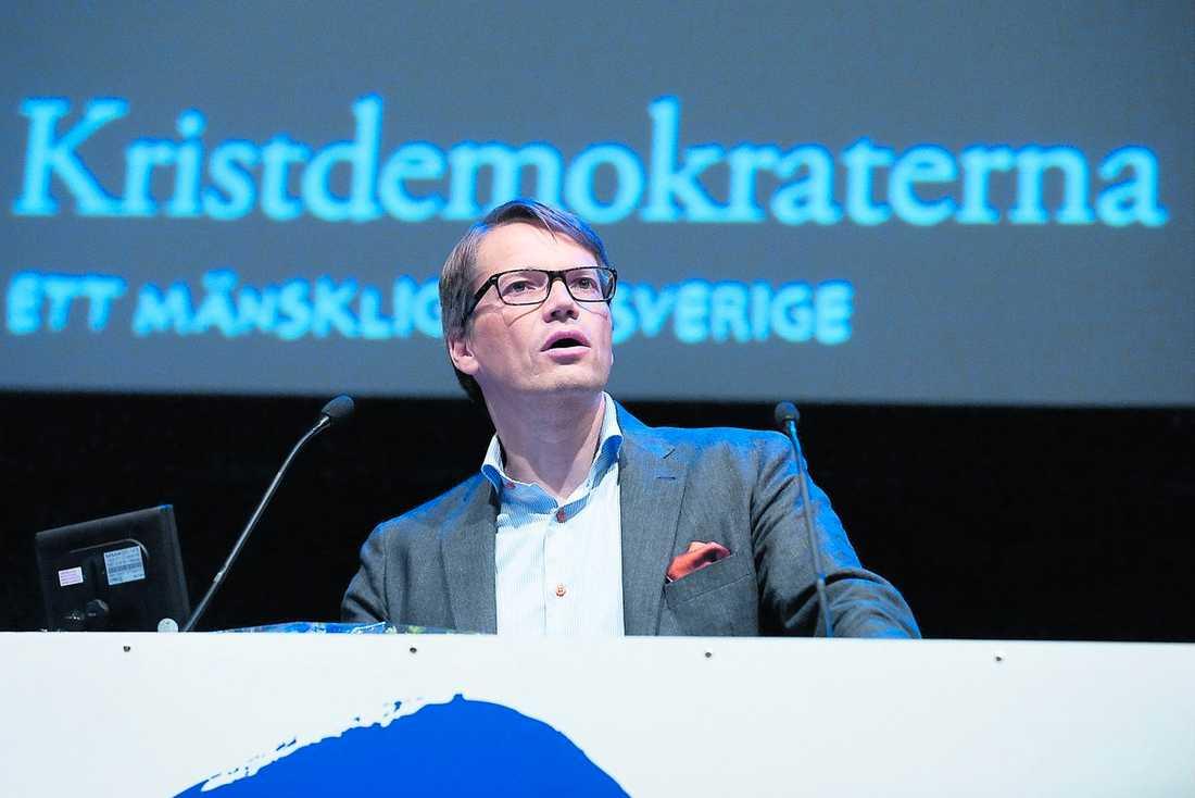 Socialminister Göran Hägglund insjuknade efter att ha druckit förorenat vatten.