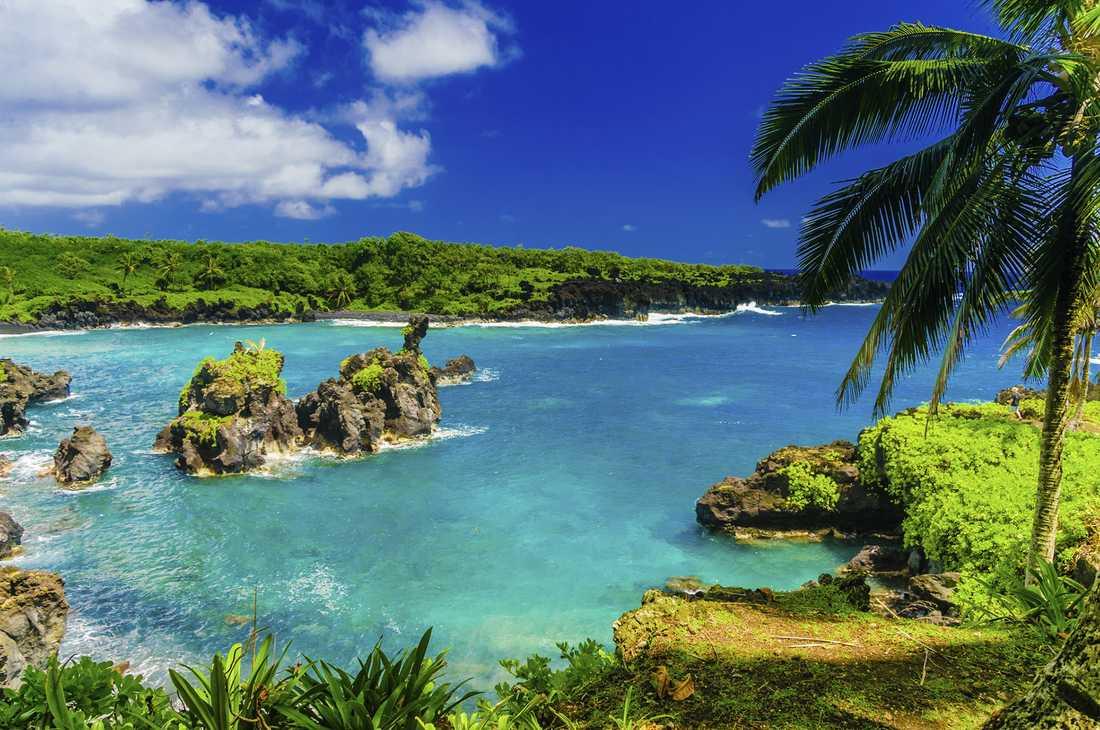 1) Maui, Hawaii, USA.