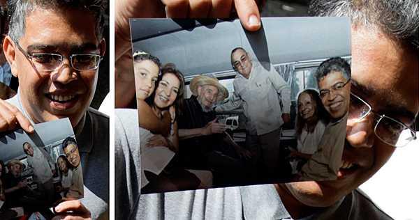 Glad 86-åring Den tidigare kommunistledaren Fidel Castro fångades på bild i lördags - tillsammans med en venezuelansk delegation i Havanna.