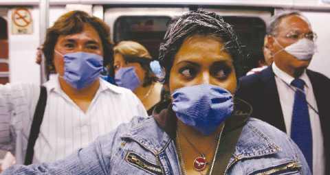 Blir det verklighet här? I Mexiko har flera människor dött av svininfluensan. När fågelinfluensan härjade sades att Sverige skulle ha en egen vaccinfabrik 2010. De planerna stoppades av Reinfeldts regering.