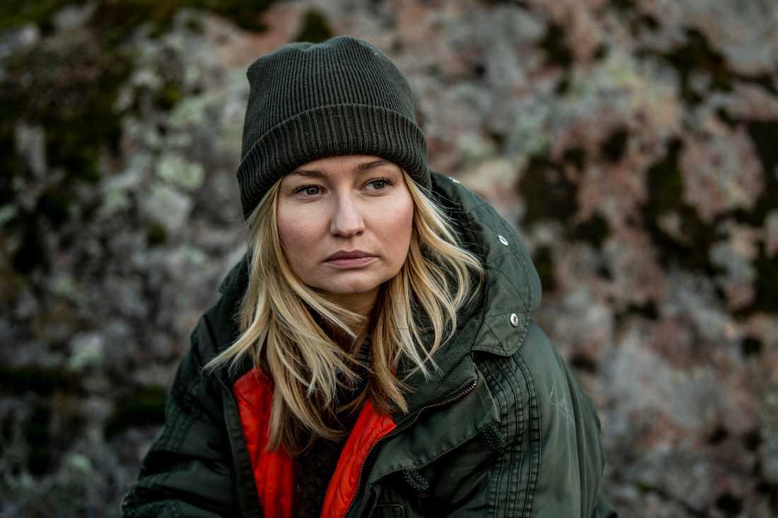 Ebba Busch håller inte med om påståendena att hon betalat underpris för Esbjörns gård.