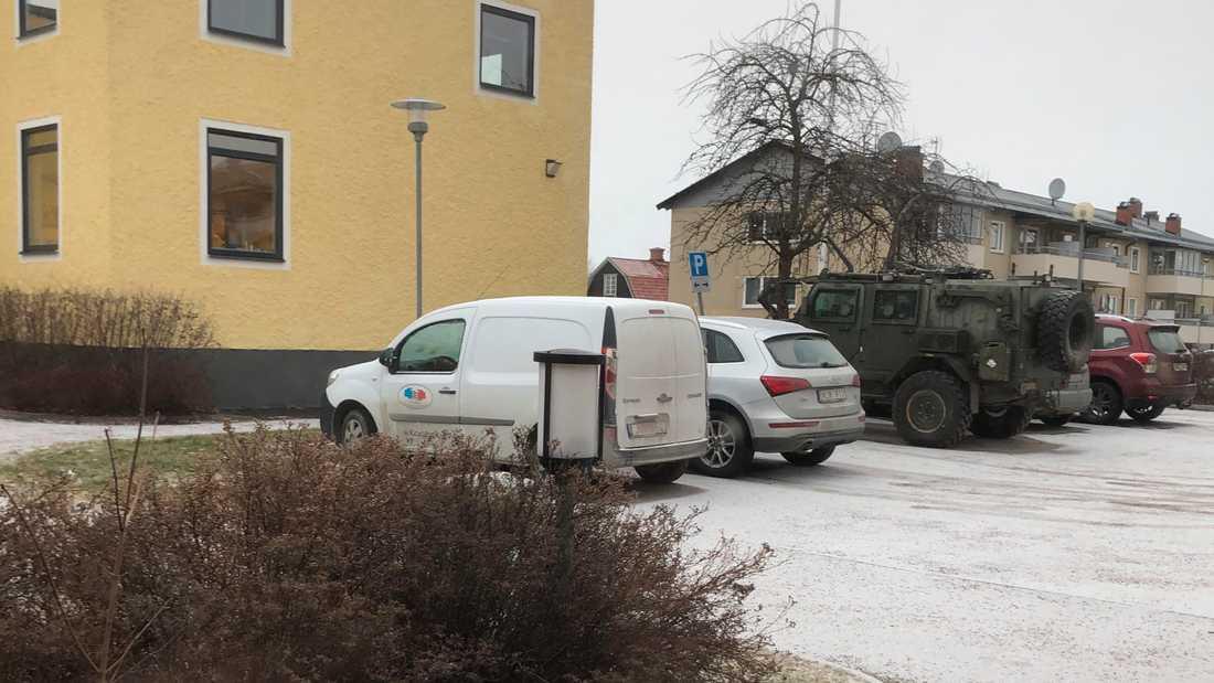 """En privatperson som bor intill parkeringen tog en bild på """"Galten""""."""