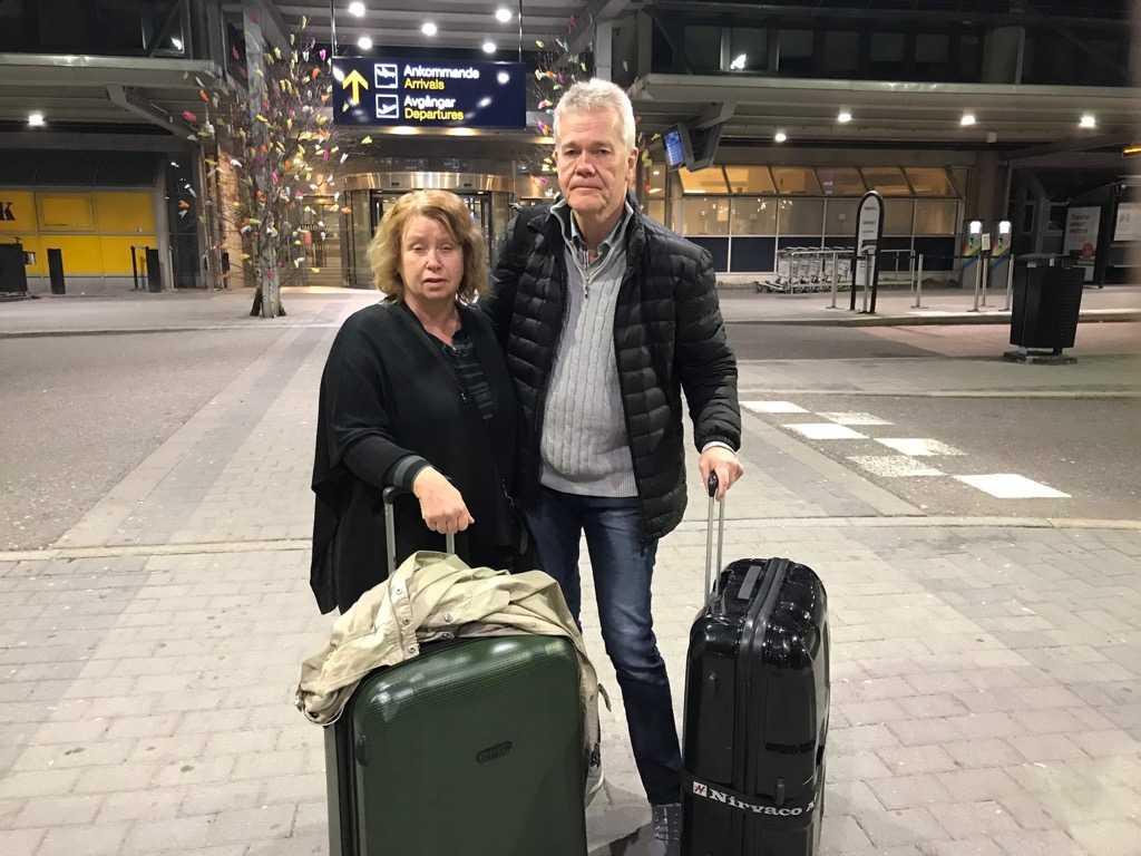 Ola Binis föräldrar Dag Gustafsson och Görel Bini Gustafsson har rest till Quito för att få honom fri. De menar att Ola har gripits på felaktiga grunder.
