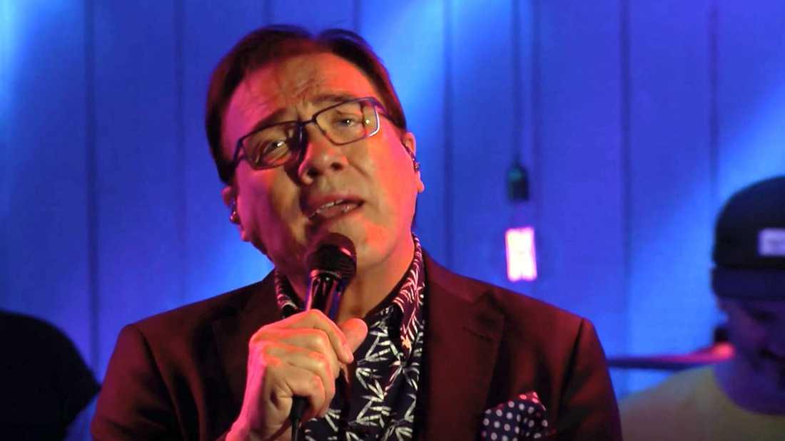"""Christer Sjögren sjunger """"Dont't  cry for me Argentina""""."""