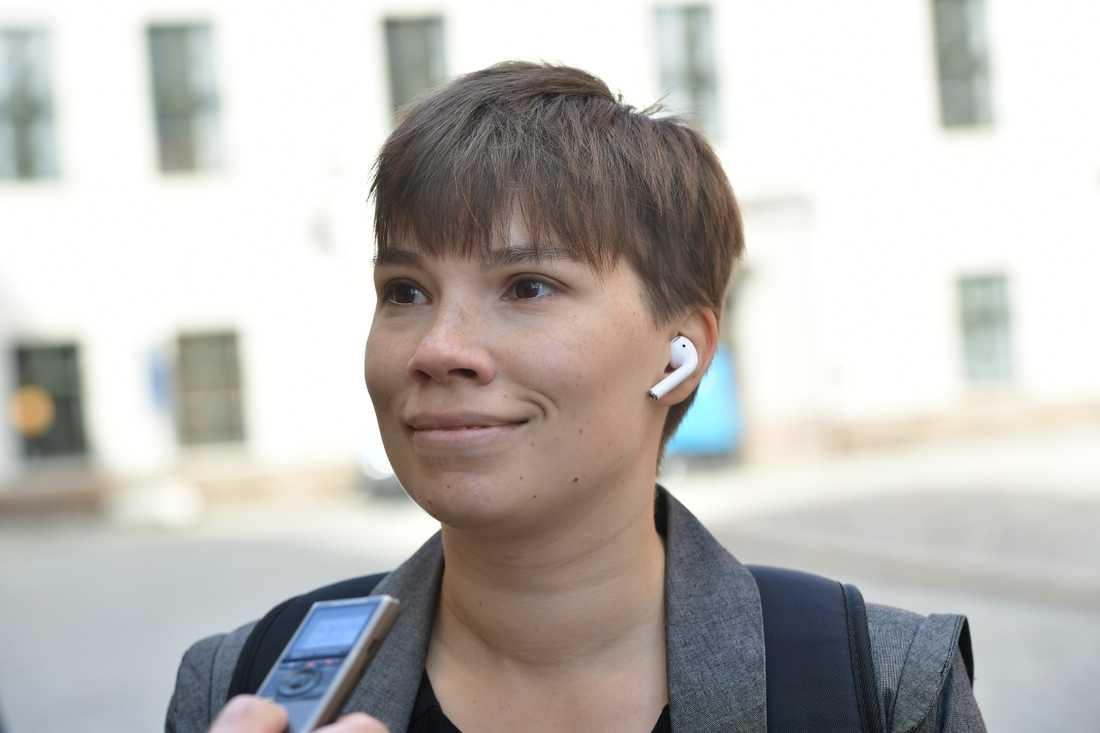 Miljöpartiets representant i Migrationskommittén Annika Hirvonen Falk vill ha nya förhandlingar om flyktingpolitiken i höst. Arkivbild.