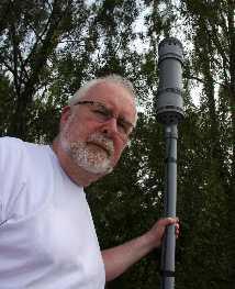 Jan G Franzén i Tranås har en blixtdetektor som registrerade 7 500 blixtar på en timme.