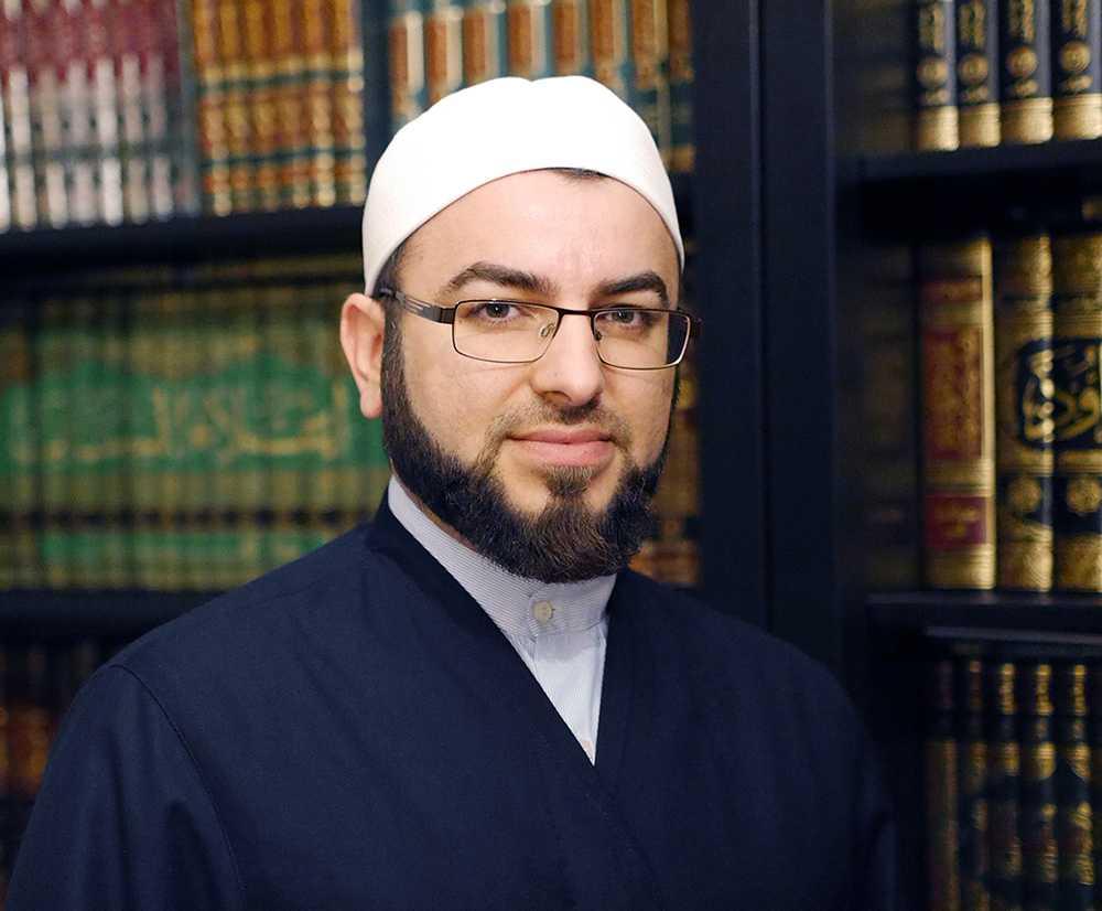 Salahuddin Barakat från Malmö – imam, teolog och ordförande för Islamakademin – säger att han själv sett hur ungdomar radikaliserats för att sedan åka utomlands och strida för terrorgrupper som Islamiska staten.