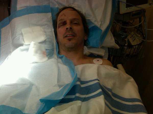 Vilar Pokerstjärnan tar igen sig i sjukhussängen.