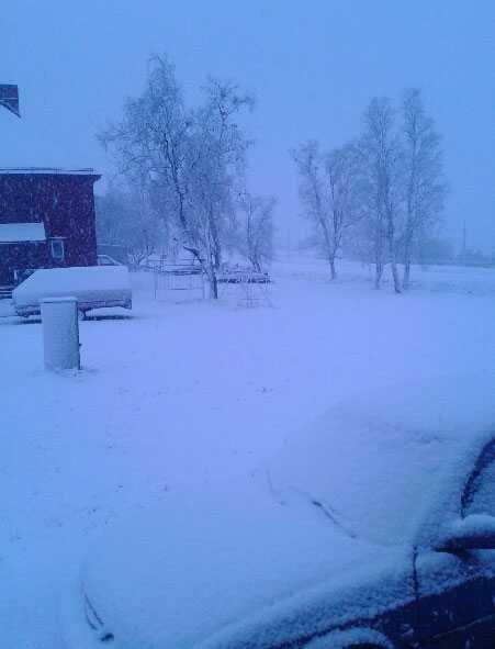 Snön la sig i Kiruna i natt.