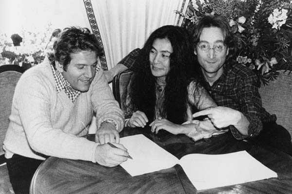 Allen Klein, Yoko Ono och John Lennon.