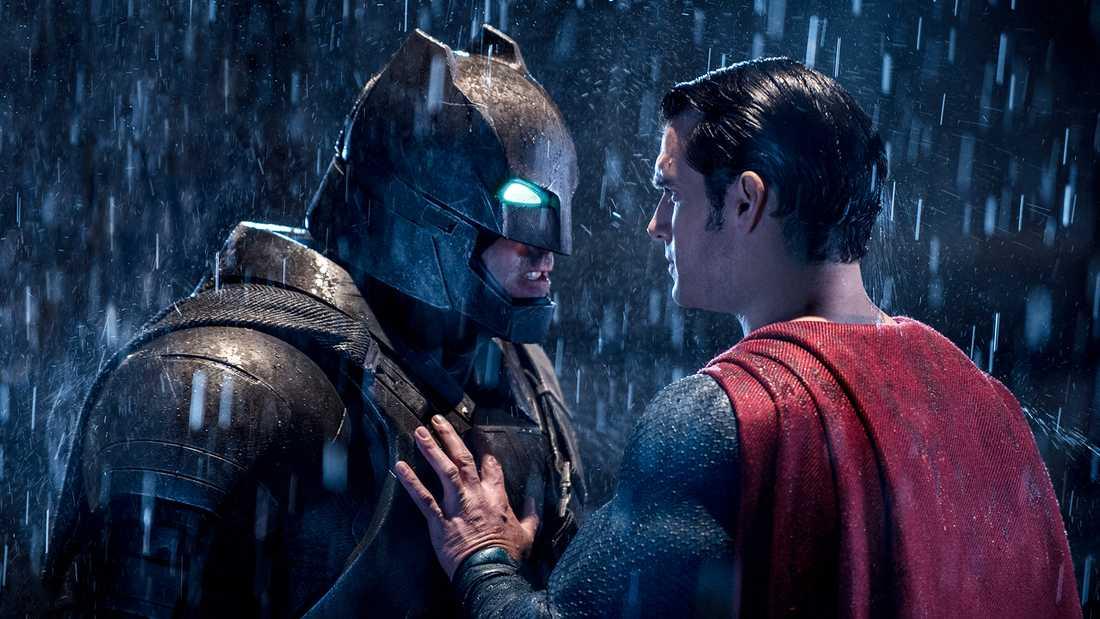 """Ben Affleck och Henry Cavill i filmen """"Batman v Superman: Dawn of justice""""."""