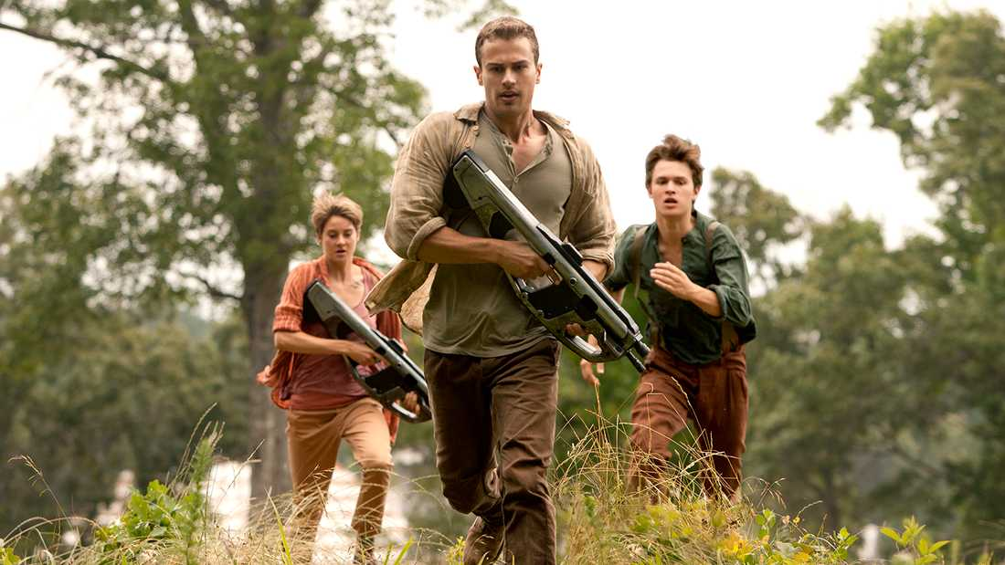 "Shailene Woodley, Theo James och Ansel Elgort i ""The Divergent Series: Insurgent""."