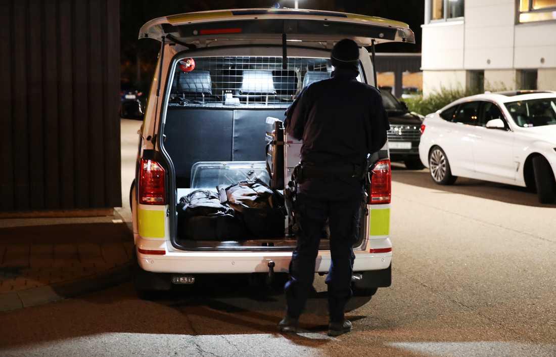 Nu sks person som sgs vid dubbelmordet i Arlv - Expressen