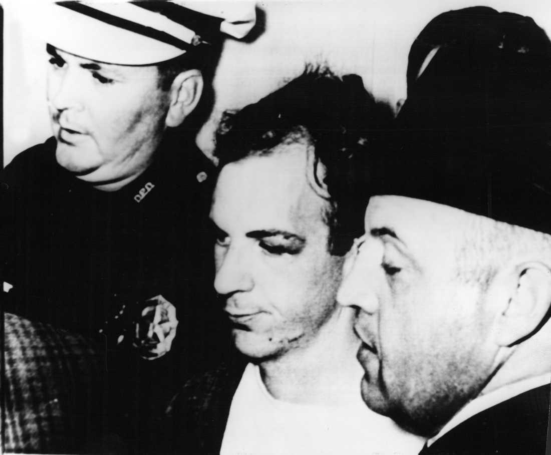 Lee Harvey Oswald grips.