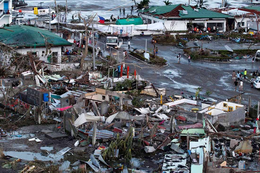 70-80 procent av området i Leyte, där staden Tacloban ligger, beräknas ha förstörts.