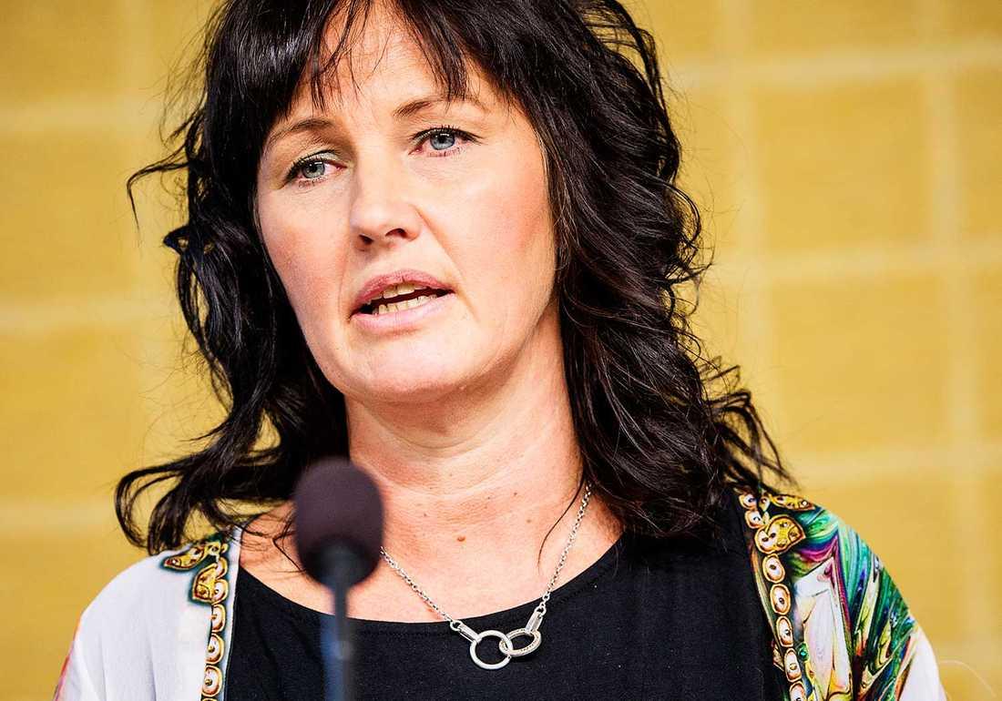 Juno Blom är utvecklingsledare på länsstyrelsen i Östergötland och har regeringens uppdrag att arbeta mot hedersrelaterat våld.